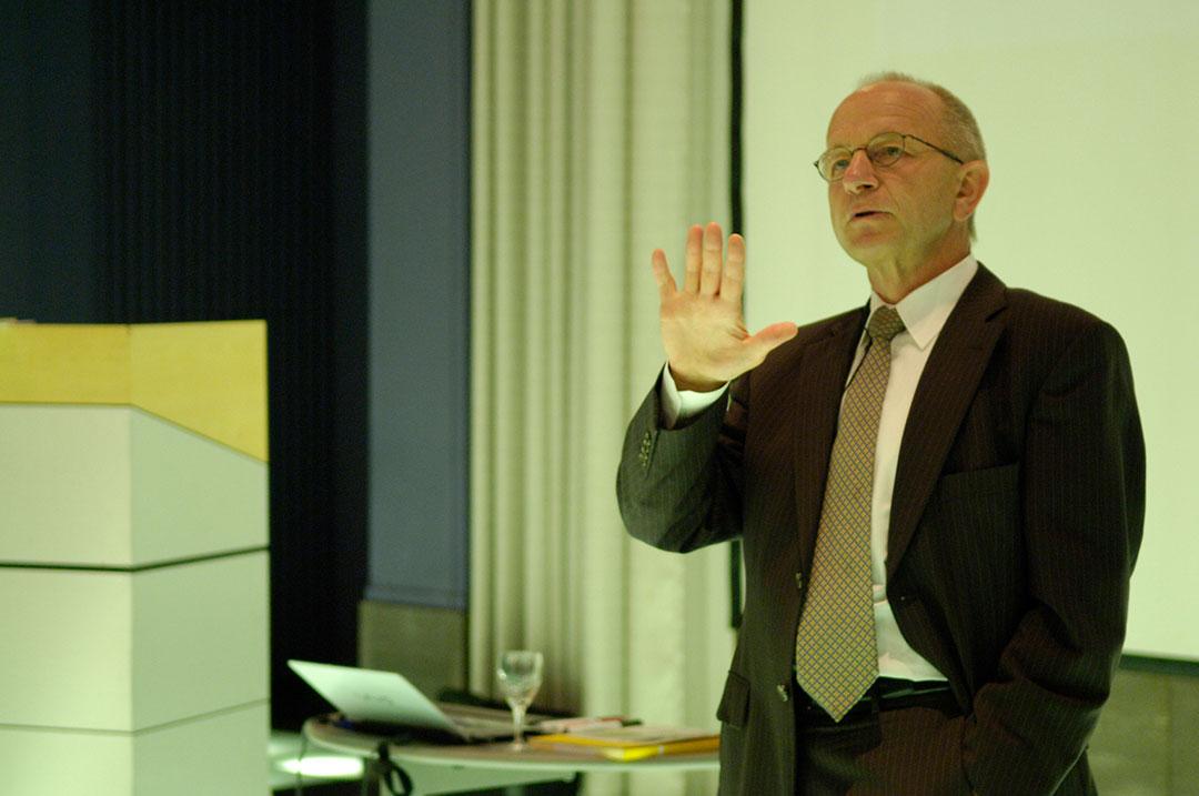 Bissantz Executive Forum Berlin 2009 - Referent: Dr. Rolf Hichert während seines Vortrags