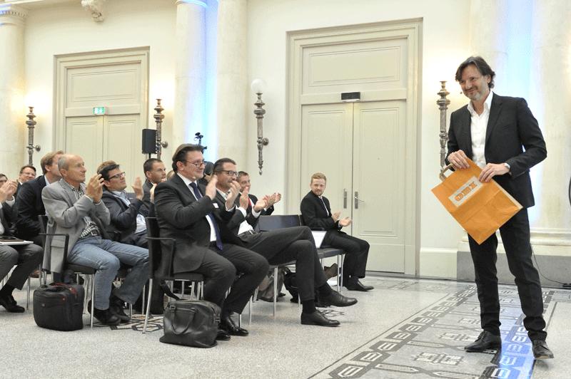 Big Data Pionier Dr. Nicolas Bissantz auf der Bühne